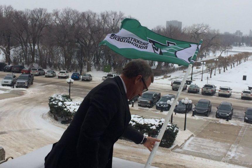 Regina mayor declares 'Green Day', premier raises Rider flag