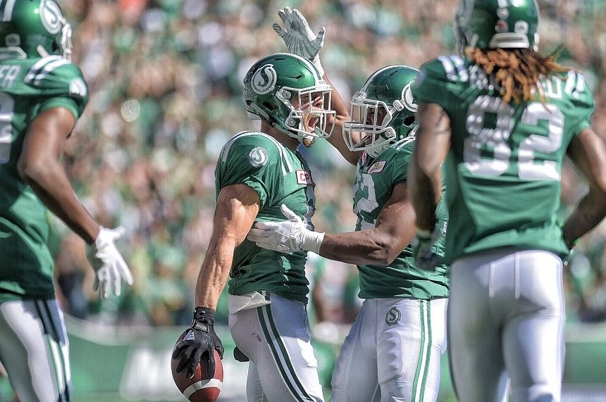 Rob Bagg bonds with new Roughrider receivers