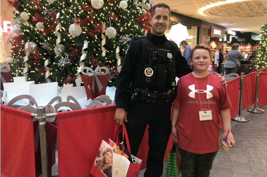 'Heartwarming:' 3rd Annual CopShop shares the gift of giving