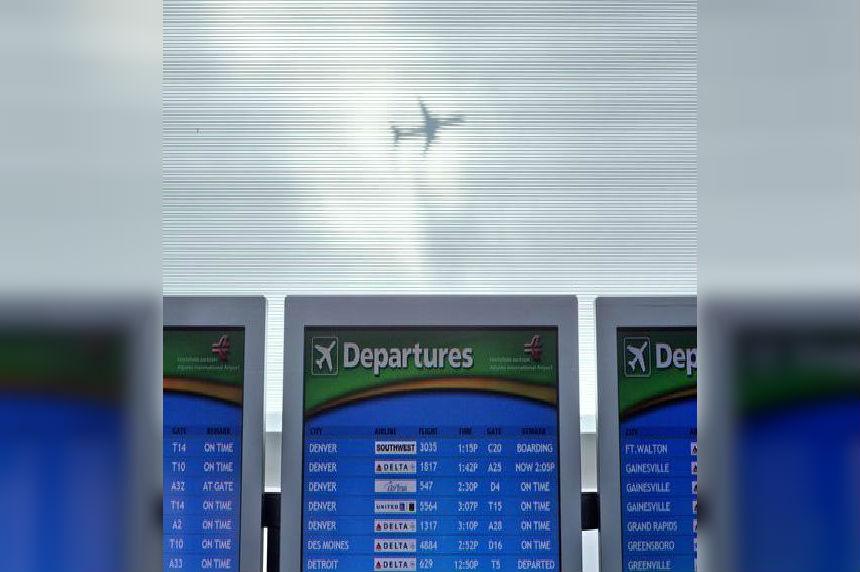 Power outage halts flights at Atlanta international airport