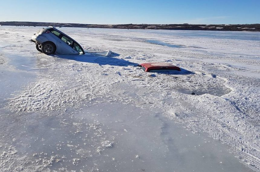 4 vehicles go through ice on Last Mountain Lake