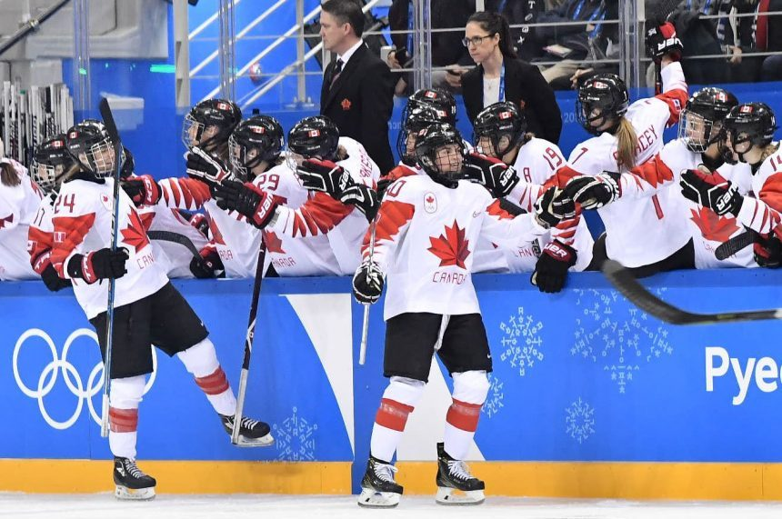 Canada loses women's Olympic hockey final 3-2 in shootout to U.S