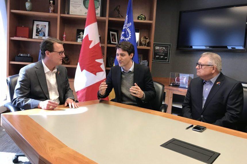 Trudeau meets with mayor, steelworkers in Regina