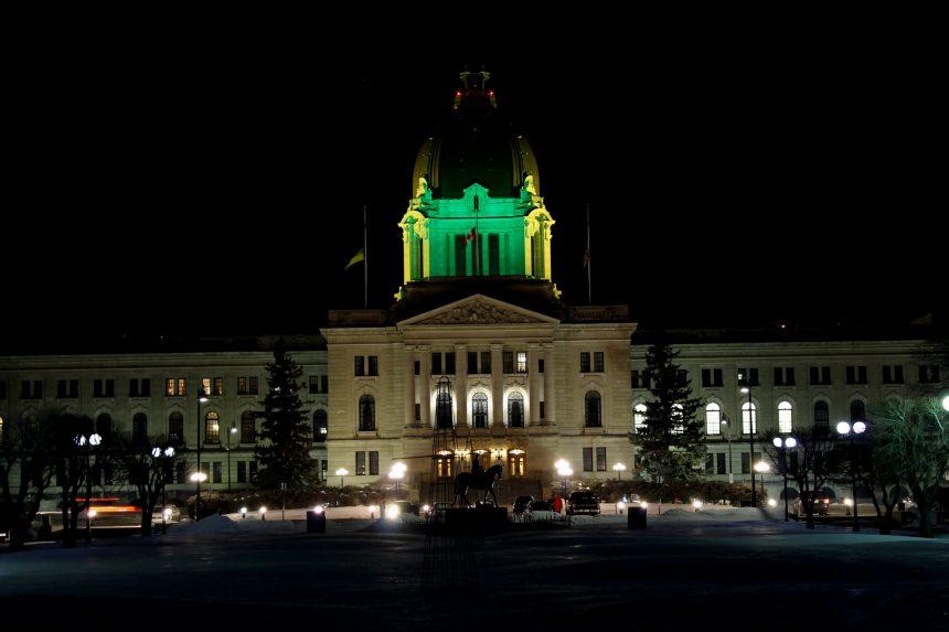 Sask. legislature honours victims of Humboldt Broncos tragedy