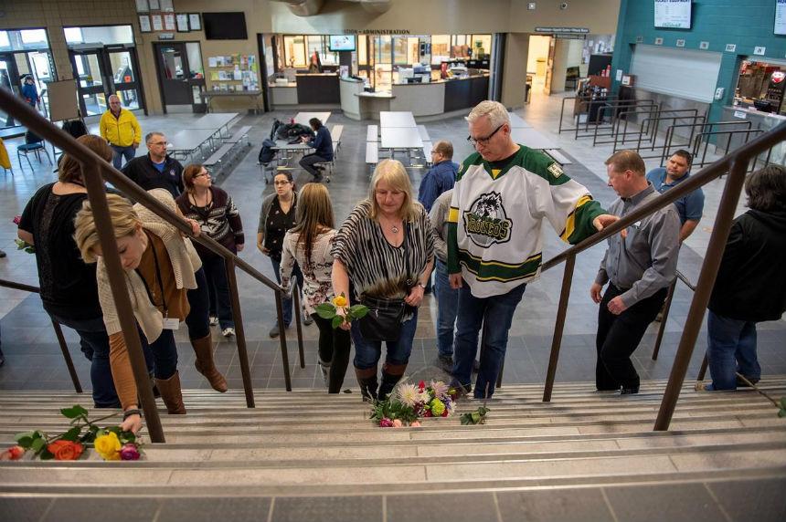 'Horrific, horrific accident': Hockey world in shock after Humboldt bus crash