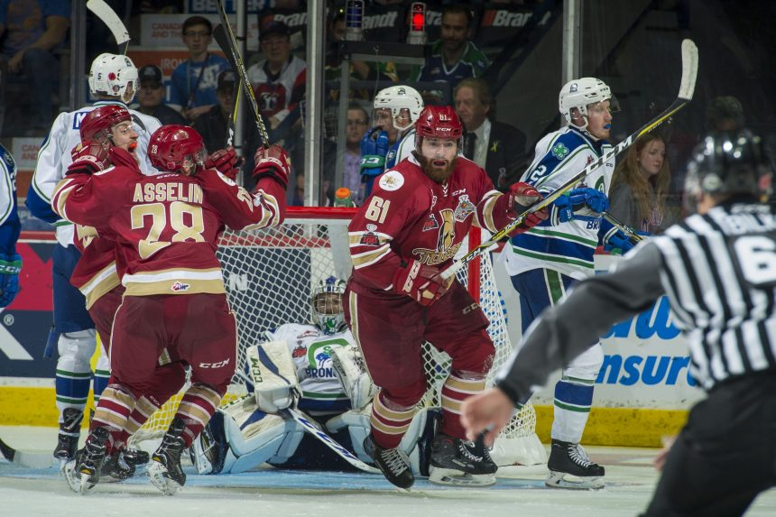 Broncos lose game, star player in 1st Memorial Cup match