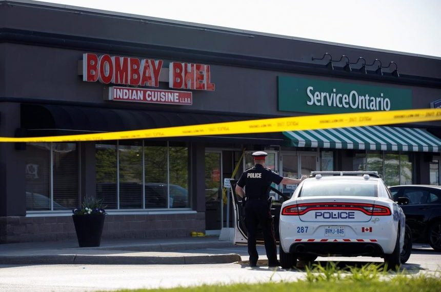Hunt underway for two suspects connected to Mississauga, Ont., blast
