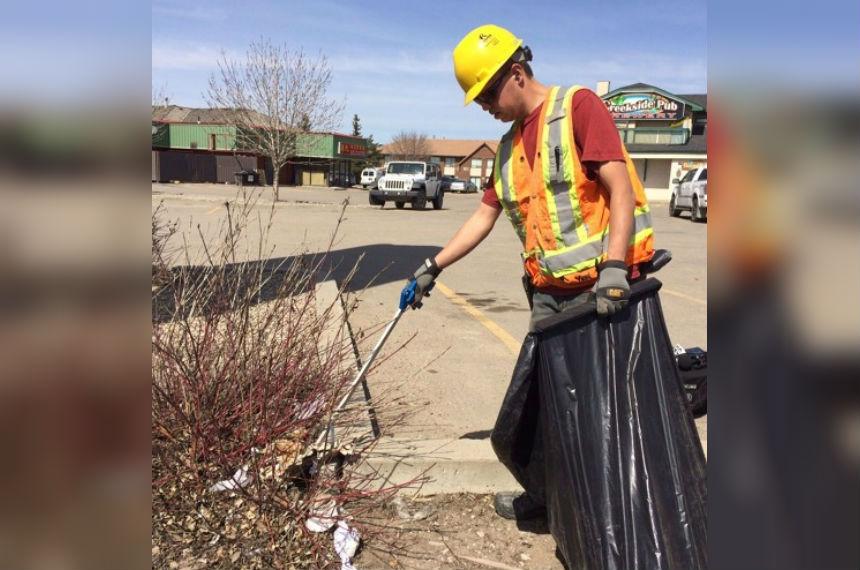 City says winter garbage pickup change didn't impact litter