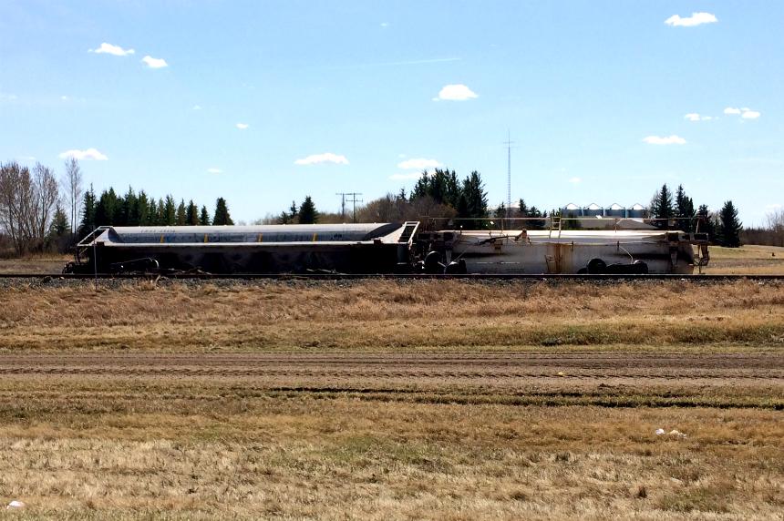 Train derailed near Paynton, Sask.