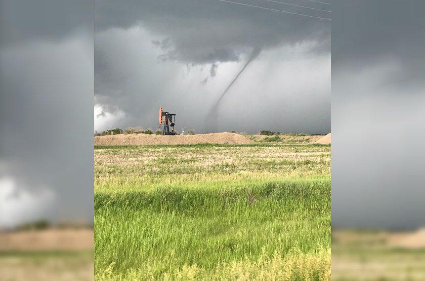 Landspout tornado spotted near Griffin, Sask.