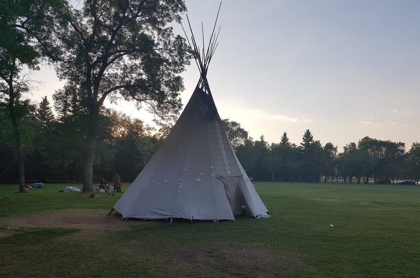 'The teepee needs to stay:' Camp returns to Wascana Park