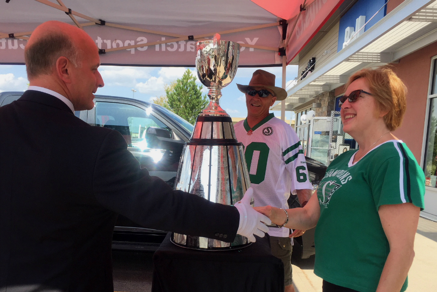 Football fans in Regina visit Grey Cup on game day