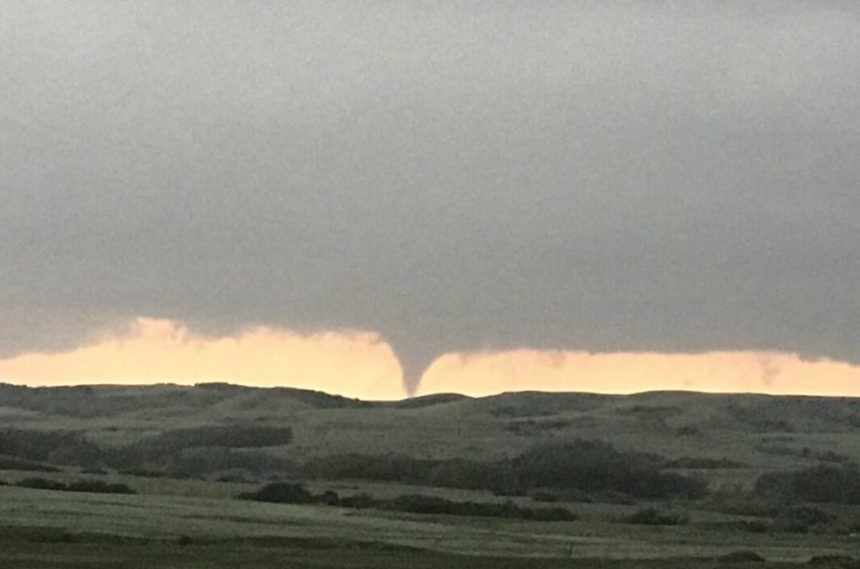 Severe weather blasts Sask. with tornadoes, hail, high winds