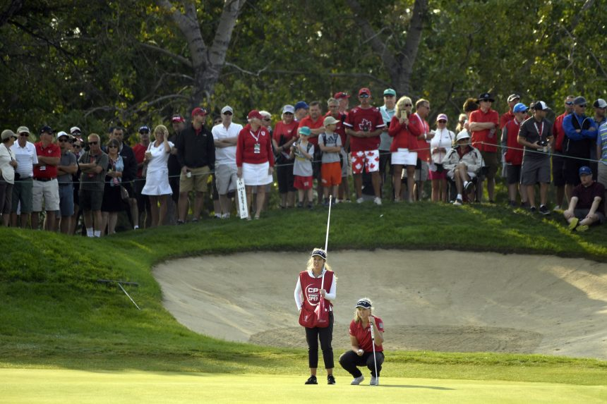 'Canada's Tiger Woods:' Henderson pulling in huge crowds