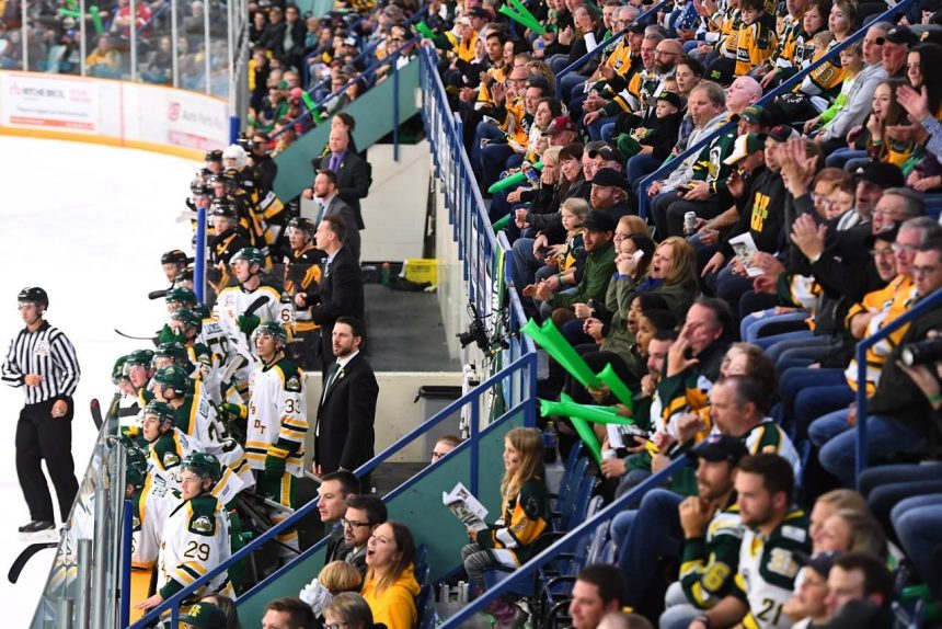 Hockey world, prominent Canadians offer support to Humboldt Broncos