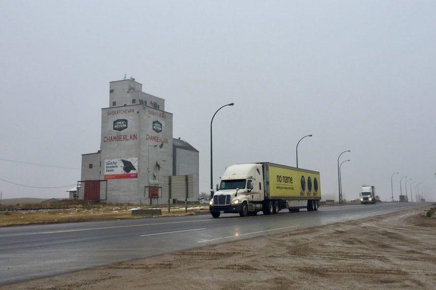 Sask. standardizes wide-base truck tires