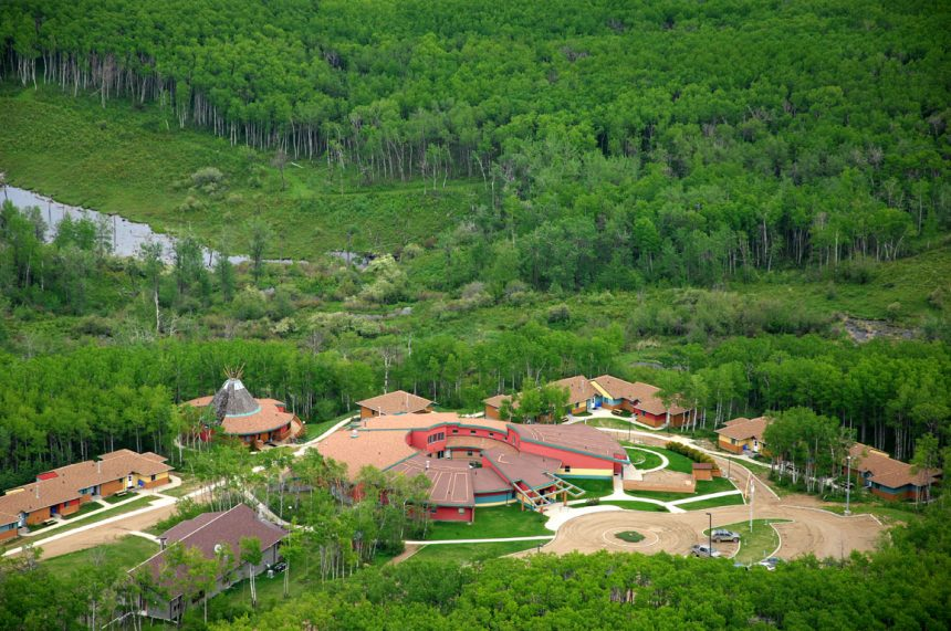 Protesters urge feds to move McClintic out of healing lodge