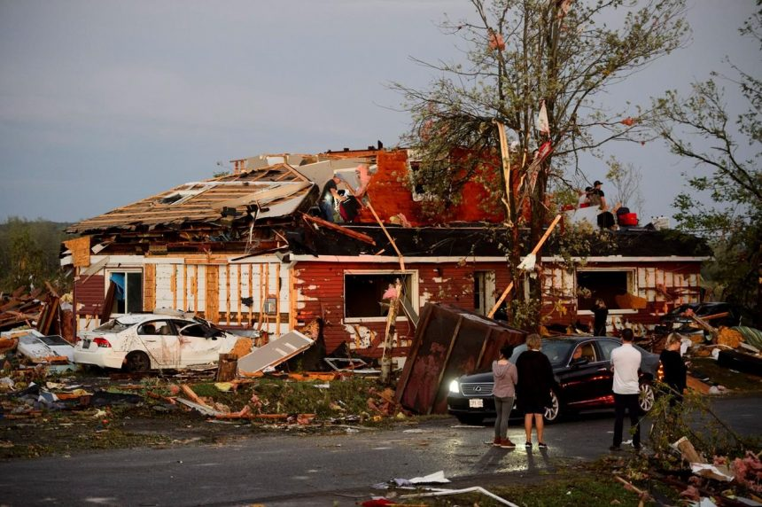 Tornado touches down in Ottawa and Gatineau, Que., Environment Canada says