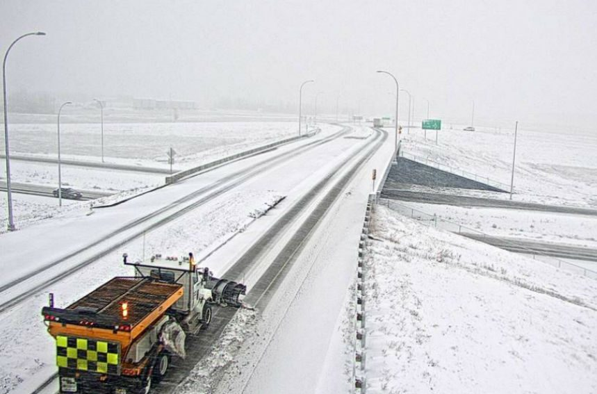 Light snow blankets southern Sask., causing poor road conditions
