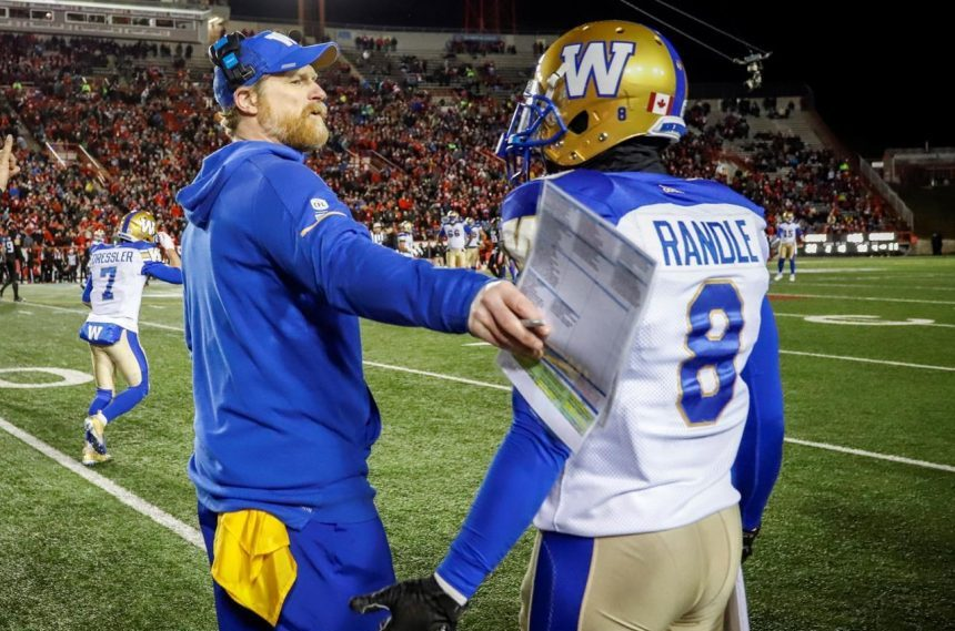 Bombers coach O'Shea brushes off controversial comments from Dickenson