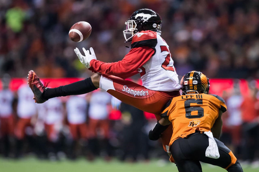 Calgary Stampeders clinch first with 26-9 rout of B.C. Lions