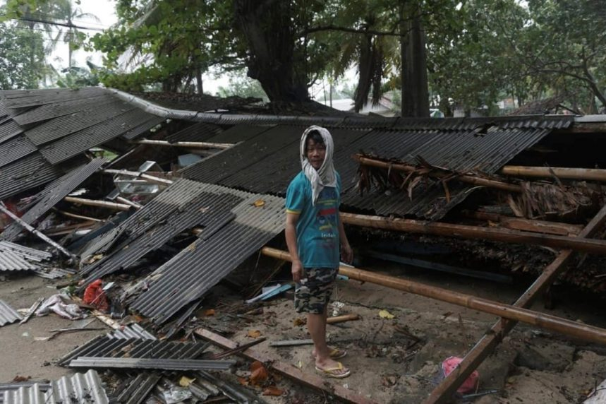 Dead In Indonesia Tsunami: Disaster Agency