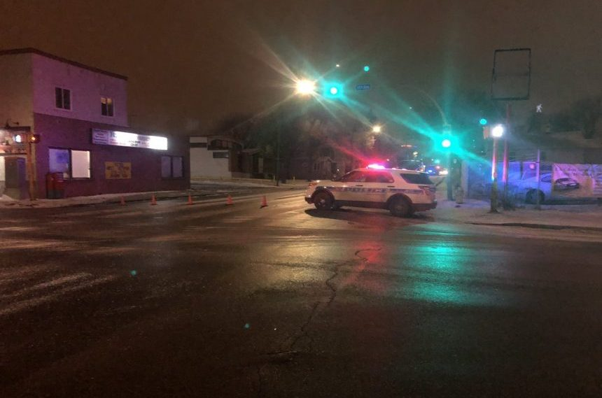 Regina police block off Winnipeg Street during gun call