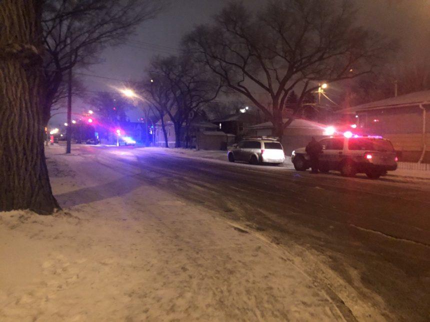 2 men facing gun, drug charges after stand-off in Regina