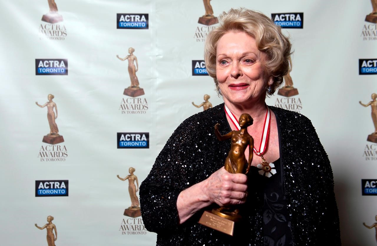 Kiefer Sutherland's Mother, Actor Shirley Douglas, Dies