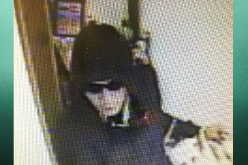 RCMP seek 5 suspects in La Ronge armed robbery