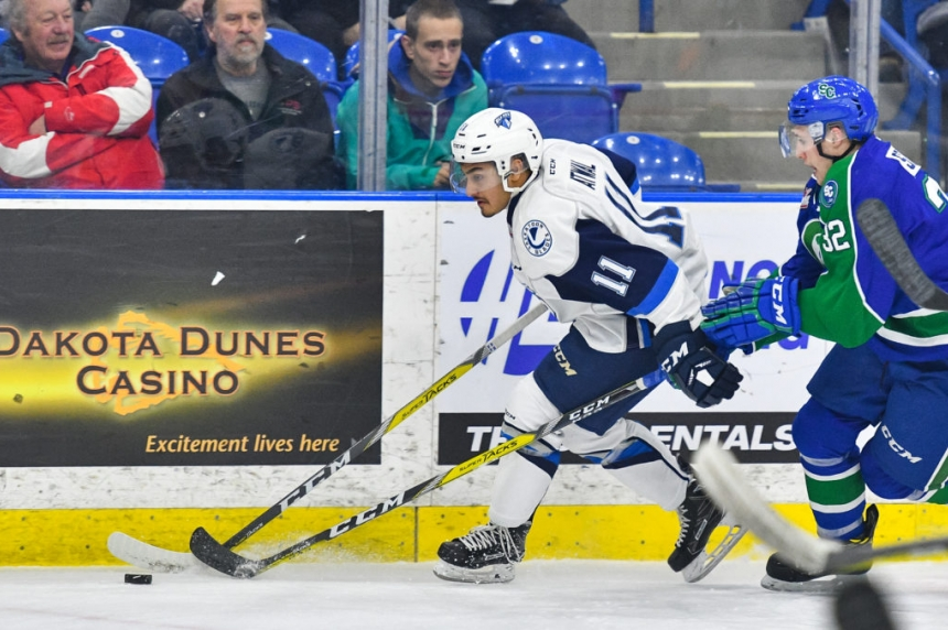 Blades open 2017 with an overtime loss to Swift Current