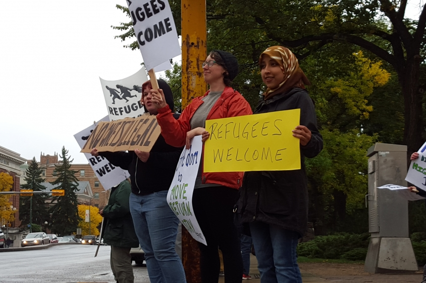 Regina rally continues call for action to help refugees