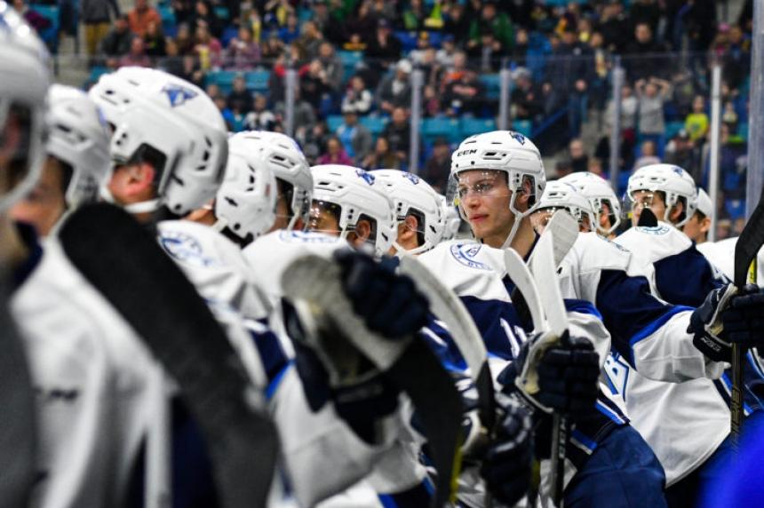 Blades winning streak ends in Moose Jaw