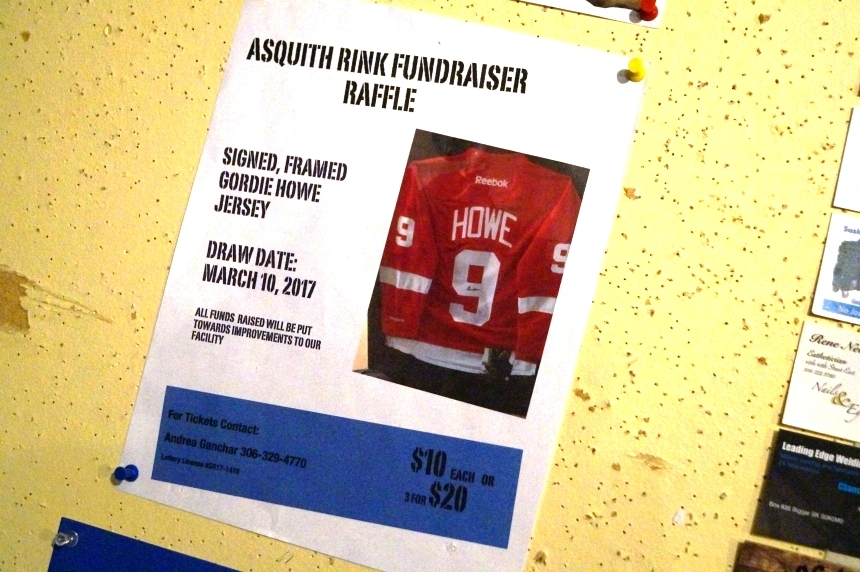 Sask. small town hockey rink nets big-ticket auction items