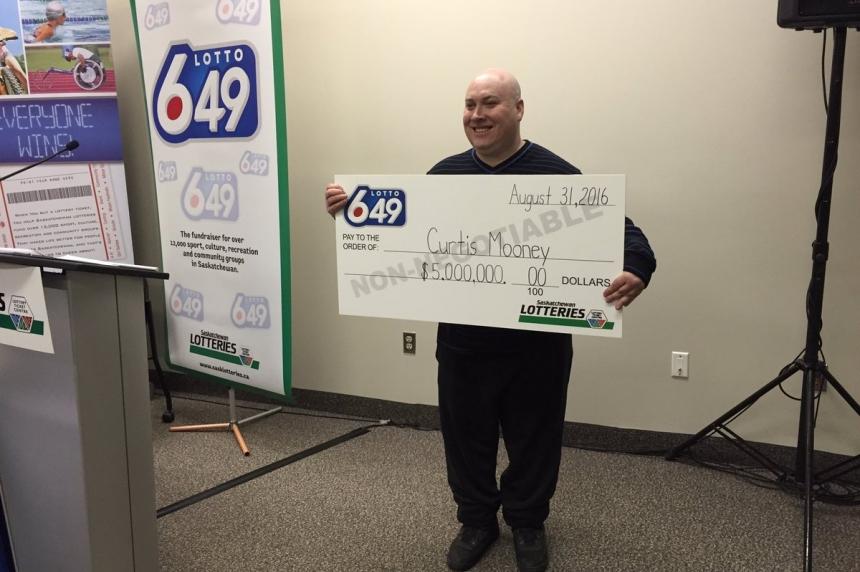 Solo success: Saskatoon man's single ticket wins $5M lotto jackpot