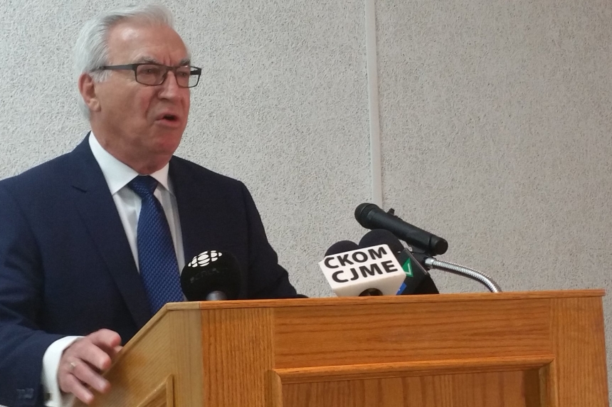Former Saskatoon Mayor Henry Dayday announces campaign for 2016
