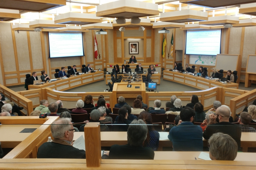 Saskatoon city council calls emergency meeting on provincial budget