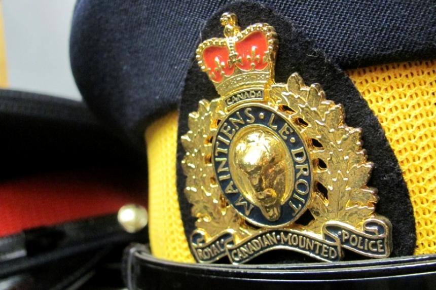 2 killed in crash east of Regina