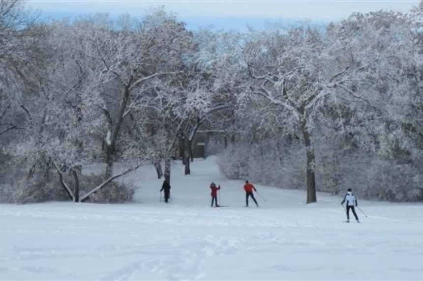 Cross country skiers wish for more snow in Regina