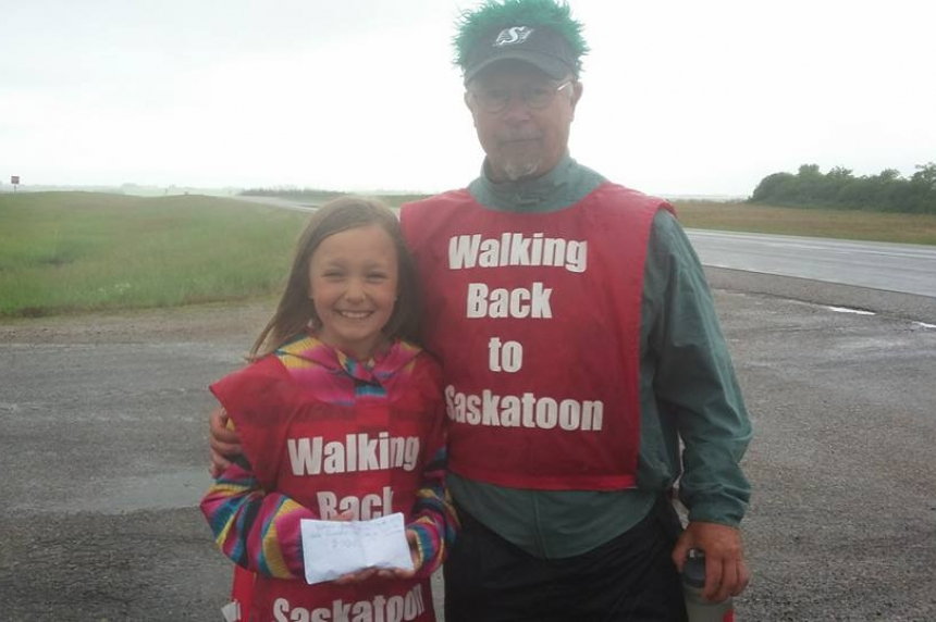 Calgary man deals with oil and gas downturn by walking to Saskatoon