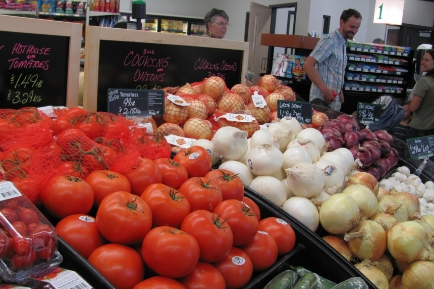 Food prices continue to fall as inflation drops