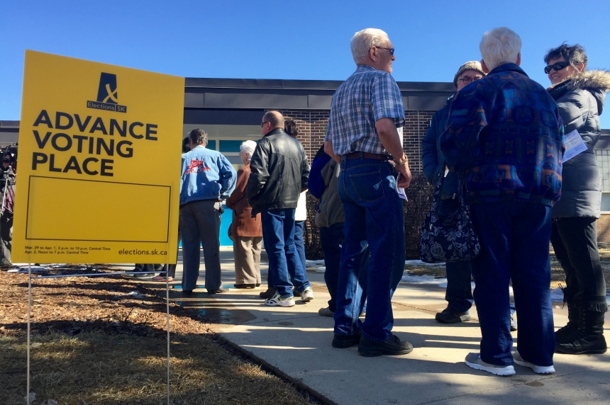 Long waits at some advance polls in Saskatoon, Regina