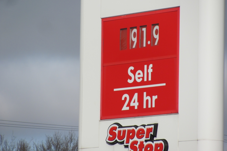 Gas prices up to 91.9 cents per litre in Regina and Saskatoon