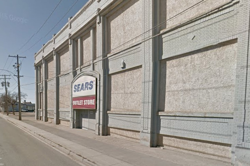 Regina's Sears Outlet store closing in 2017