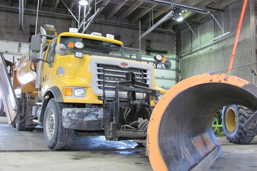 Sask. adding flashing blue lights to snowplows