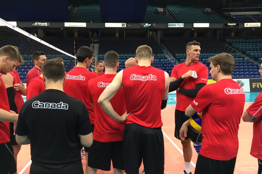 Schmitt plays in front of hometown on world volleyball stage