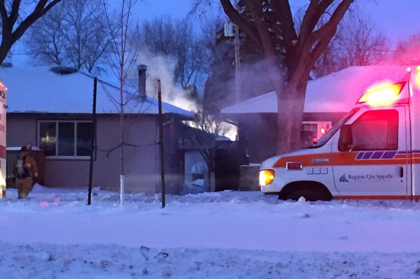 Regina firefighters get house fire under control in frigid conditions