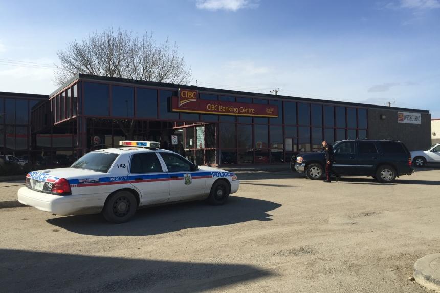 Saskatoon police investigate daytime bank robberies