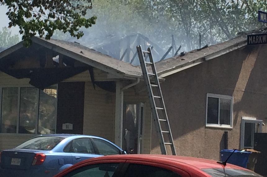 Regina duplex fire destroys roof, sends 2 to hospital