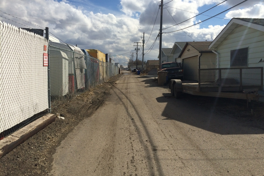 Oil spill cleanup continues in Regina as city investigates tank owner